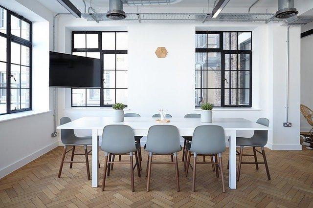 צביעת משרדים בלי לפגוע בשגרת העבודה – איך עושים את זה?
